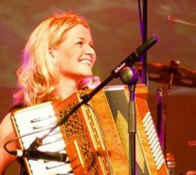 Edel McLaughlin, Ceol na Coille Summer School, Piano Accordion, Donegal WAW, Wild Atlantic Way, Irish Music, Traditional Irish Music, Summer School, Paul Harrigan